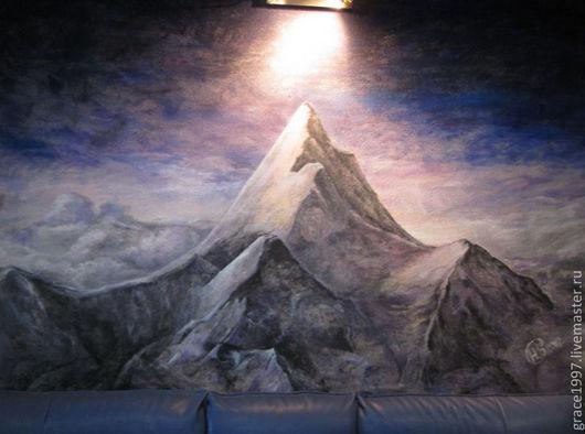 Авторская роспись стены в салоне красоты  (размер 2,5 Х 1,5 м).