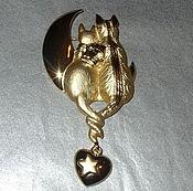 """Брошь """"Кот, кошечка и полумесяц"""" под золото (A.J.C. США)"""