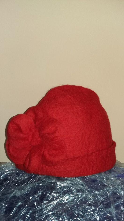 Шапки ручной работы. Ярмарка Мастеров - ручная работа. Купить Шапка красная. Handmade. Ярко-красный, подарок, шапка, шерсть