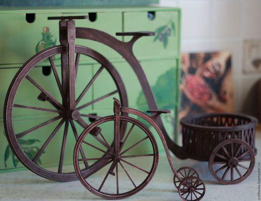 Кашпо-велосипед из дерева -- для интерьера, оформления праздника, фотосессий, декорирования цветами