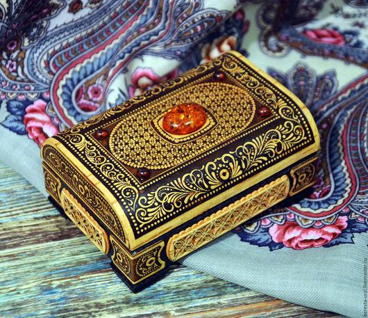 Шкатулки ручной работы. Ярмарка Мастеров - ручная работа. Купить Сундук с янтарём для Королевы. Handmade. Коричневый, янтарь калининград, шкатулка