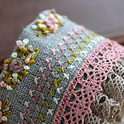 Украшения ручной работы. Ярмарка Мастеров - ручная работа Rose. Нежный вышитый браслет с розами и кружевом. Handmade.