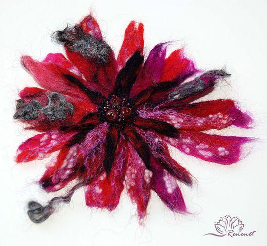 """Броши ручной работы. Ярмарка Мастеров - ручная работа. Купить Брошь-цветок """"Пурпурный туман"""". Handmade. Пурпурный цвет"""