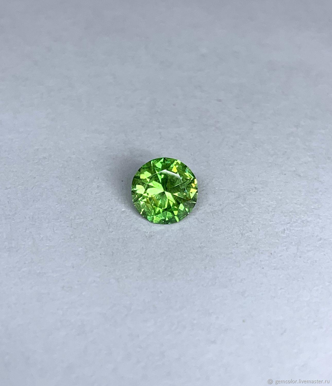DEMANTOID. Elizabethan. 0.7 carats, Minerals, Ekaterinburg,  Фото №1