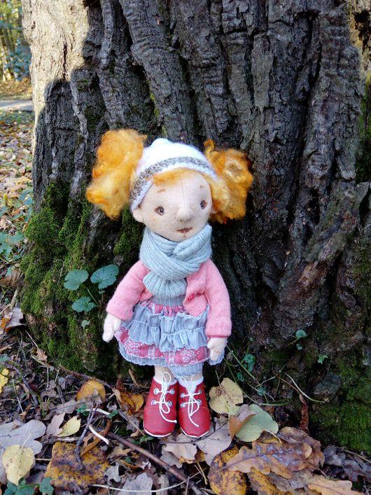 Человечки ручной работы. Ярмарка Мастеров - ручная работа. Купить Кукла фетровая Ариша. Handmade. Игровая куколка, фетровая кукла