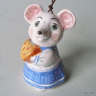 Сувениры и подарки ручной работы. Ярмарка Мастеров - ручная работа Колокольчики:Мышка с сыром. Handmade.