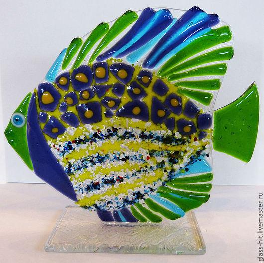 Декоративная рыбка для Вашего интерьера. Рыбка на подставке, рыбу без подставки можно приклеивать на ровные поверхности (стекло,зеркало,плитка).