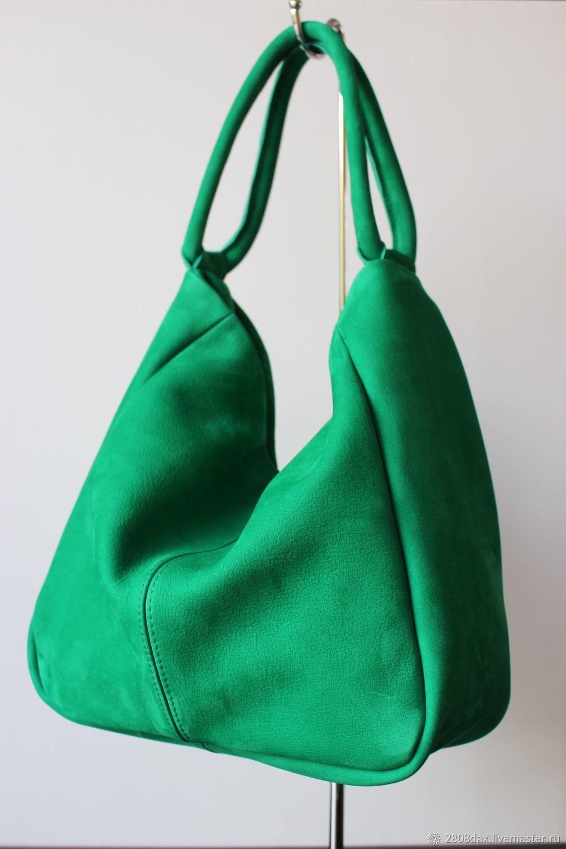 6d1466428a92 Зеленая замшевая сумка-хобо. Olga'S Luxury Creation. Ярмарка. Женские сумки  ручной работы. Ярмарка Мастеров - ручная работа. Купить ...