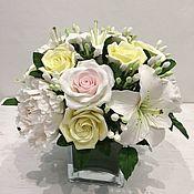 Интерьерный букет с лилиями и пионами