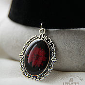 Украшения handmade. Livemaster - original item Black and red jewelry set from jewelry resin with real flowers. Handmade.