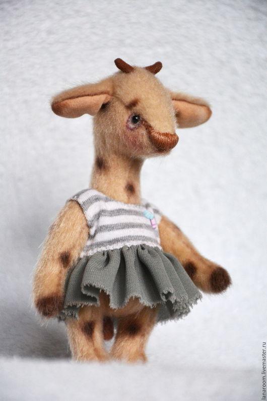 Мишки Тедди ручной работы. Ярмарка Мастеров - ручная работа. Купить (Нашла дом) жираф-тедди Ева (12 см). Handmade.