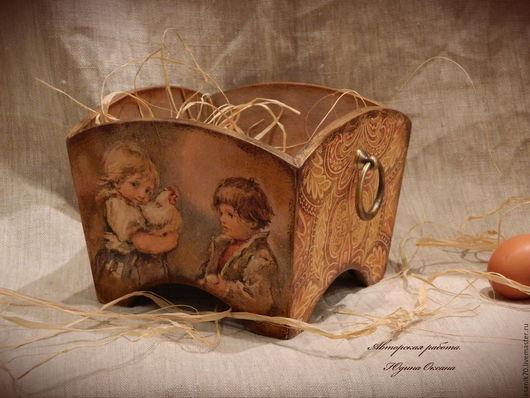 Короб-сухарница` Дорого яичко ко Христову дню` .Авторская работа. Автор Юдина Оксана. Декупаж.