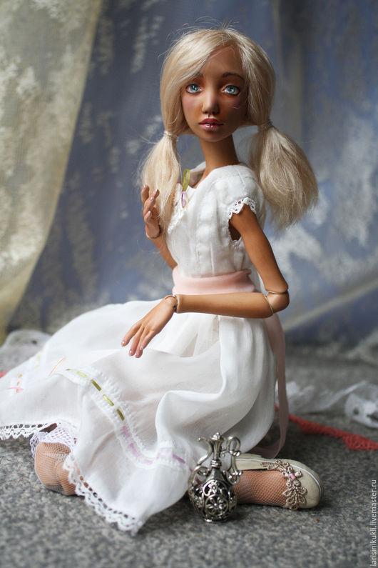 Коллекционные куклы ручной работы. Ярмарка Мастеров - ручная работа. Купить Кукла шарнирная Лаура. Handmade. Белый, коллекционная кукла