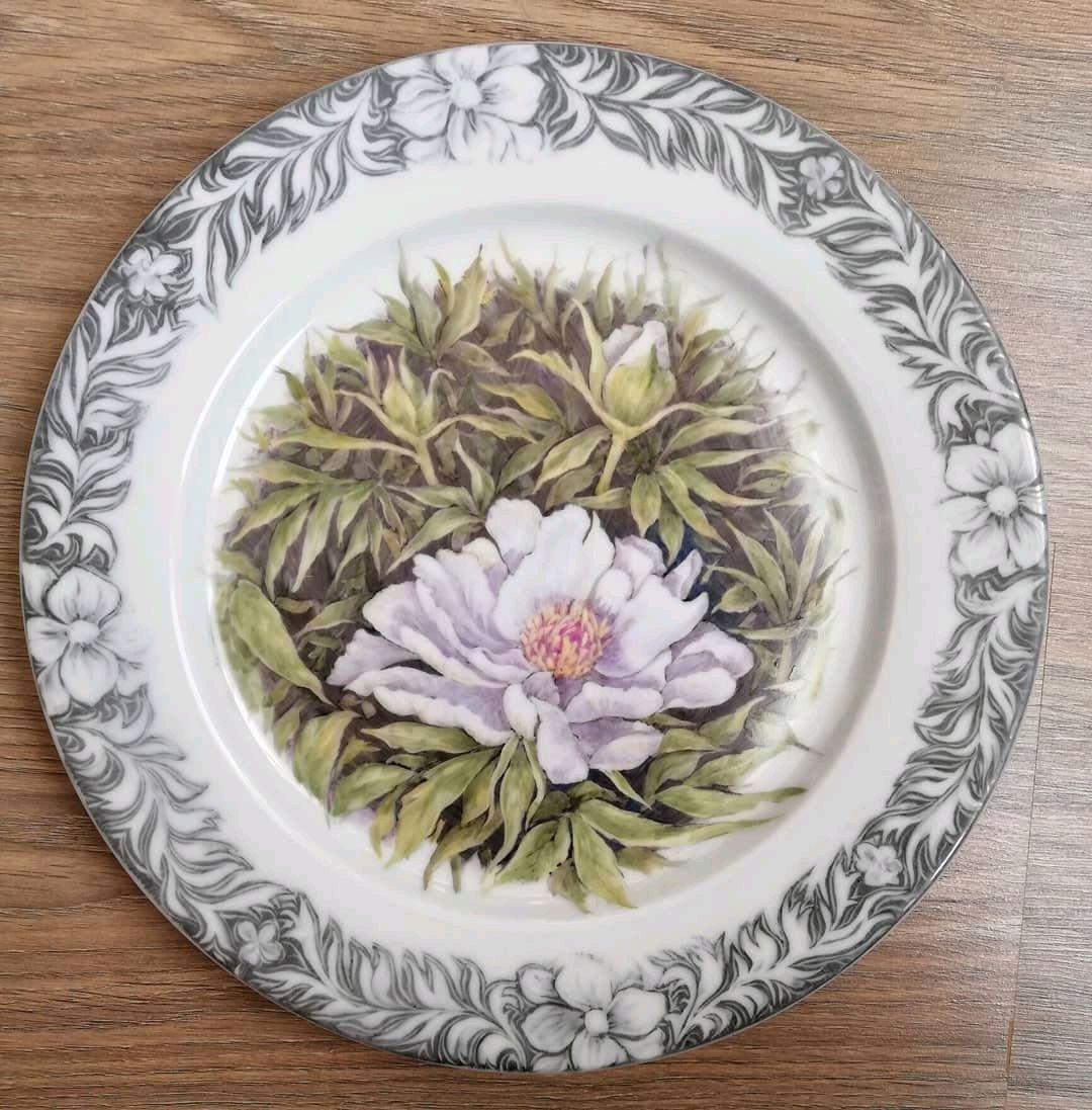Белый пион. (фарфоровая тарелка), Тарелки, Заокский,  Фото №1