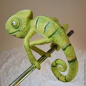 Куклы и игрушки ручной работы. Ярмарка Мастеров - ручная работа Авторская игрушка из шерсти - Хамелеон. Handmade.
