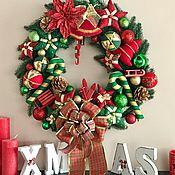 Подарки к праздникам ручной работы. Ярмарка Мастеров - ручная работа Рождественский венок красно-зеленый. Handmade.
