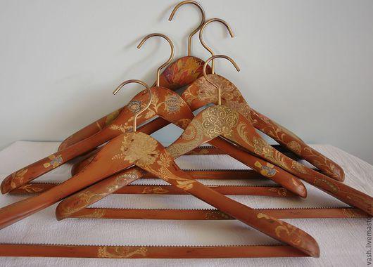Прихожая ручной работы. Ярмарка Мастеров - ручная работа. Купить Вешалка - плечики для одежды  С налетом времени - 2. Handmade.