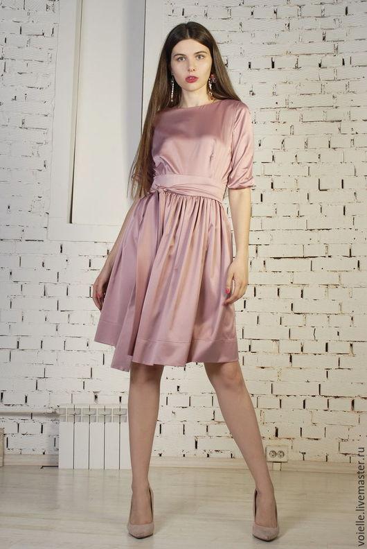 дизайнерское платье от российских дизайнеров, платье на выпускной, платье коктейльное, нарядное, шелковое с юбкой в сборку и рукавами на резинке, платье нежное розовое на выход, на вечер