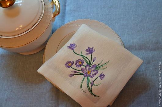 """Текстиль, ковры ручной работы. Ярмарка Мастеров - ручная работа. Купить Салфетка льняная """" Цветущий сад.Крокусы"""". Handmade."""