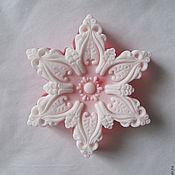 """Косметика ручной работы. Ярмарка Мастеров - ручная работа Мыло двухслойное """"Снежинка розовая"""". Handmade."""