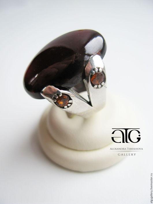 Очень красивое, стильное, имиджевое кольцо с роскошными гессонит гранатами 73.27 Carat!