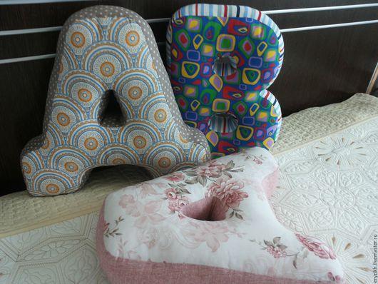 Интерьерные слова ручной работы. Ярмарка Мастеров - ручная работа. Купить Буква подушка. Handmade. Комбинированный, буква подушка