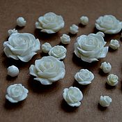 Бусины ручной работы. Ярмарка Мастеров - ручная работа Бусины розы из коралла белого цвета. Handmade.
