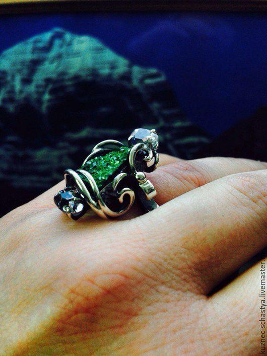 Кольца ручной работы. Ярмарка Мастеров - ручная работа. Купить Кольцо с уваровитом и алмазами херкимера в серебре. Handmade. Серебряный, серебро