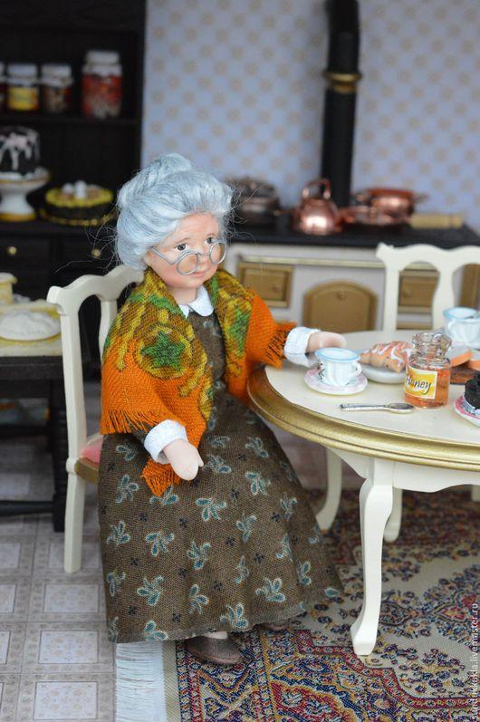 Коллекционные куклы ручной работы. Ярмарка Мастеров - ручная работа. Купить Кукла миниатюрная  подвижная Бабушка. Handmade. Авторская кукла