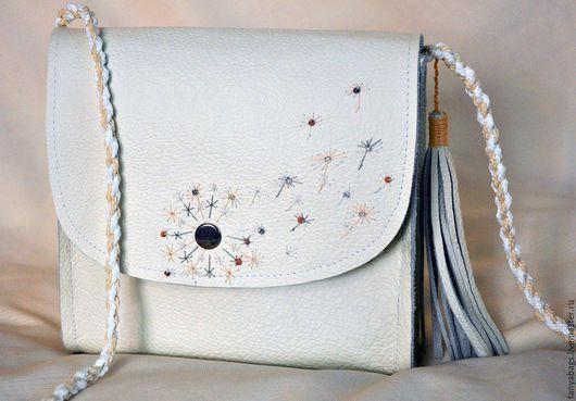 Женские сумки ручной работы. Ярмарка Мастеров - ручная работа. Купить Белая кожаная сумка ручной работы с вышивкой. Handmade.