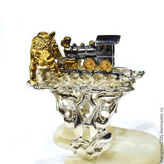 """Кольца ручной работы. Ярмарка Мастеров - ручная работа. Купить """"Постой, паровоз!!!...."""" серебряное кольцо-шутка с паровозиком и быком. Handmade."""