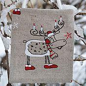 Подарки к праздникам ручной работы. Ярмарка Мастеров - ручная работа Маленькая подарочная сумочка «Лосик со свечками», новогодняя упаковка. Handmade.