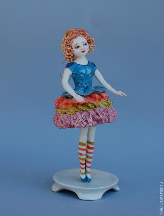 Статуэтки ручной работы. Ярмарка Мастеров - ручная работа. Купить Юная клоунесса-балерина.. Handmade. Фарфоровая кукла, актриса, глазурь