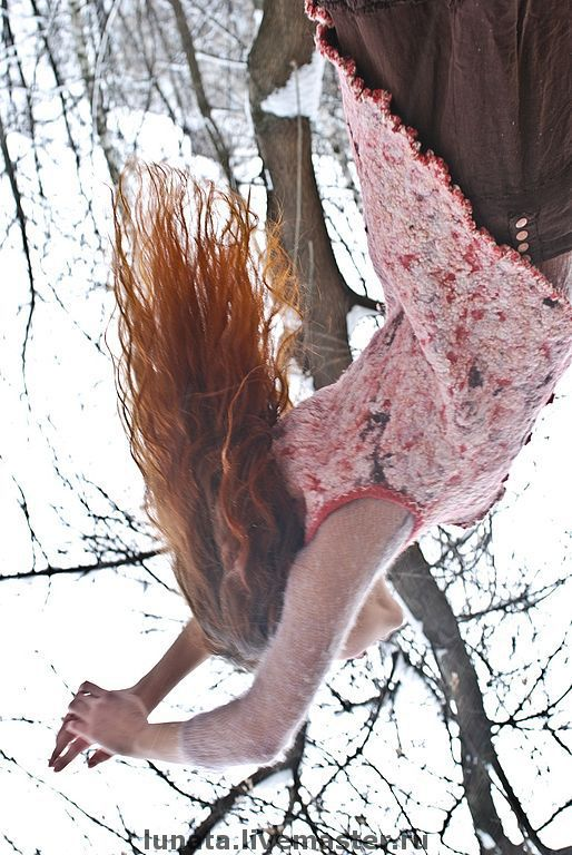 """Жилеты ручной работы. Ярмарка Мастеров - ручная работа. Купить жилет бохо """"Cranberries in the snow"""". Handmade. Войлок"""