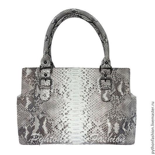 Сумка из кожи питона. Необычная дизайнерская сумка из кожи питона. Красивая сумка из кожи питона ручной работы. Повседневная женская сумка из питона на весну. Стильная весенняя сумка из кожи питона.