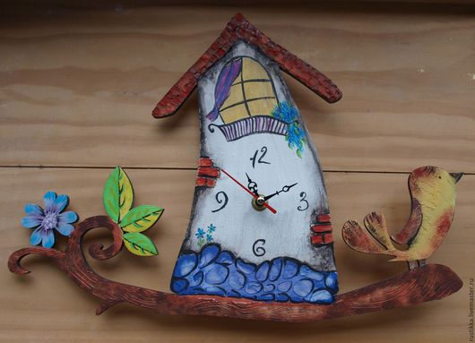 """Часы для дома ручной работы. Ярмарка Мастеров - ручная работа. Купить Настенные часы """"Птичий домик"""". Handmade. Белый"""