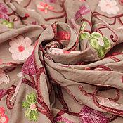 Материалы для творчества ручной работы. Ярмарка Мастеров - ручная работа 0,6  Итальянская плательная ткань с вышивкой VALENTINO GARAVANI. Handmade.