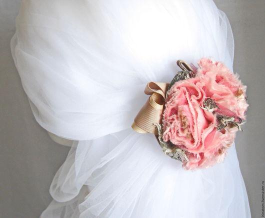 Одежда и аксессуары ручной работы. Ярмарка Мастеров - ручная работа. Купить Заколка для волос с розовыми цветами и лентами. Handmade. Розовый