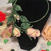 Украшения ручной работы. Ярмарка Мастеров - ручная работа Валяное украшение Розы. Handmade.