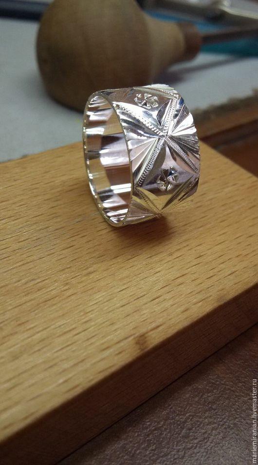 Кольца ручной работы. Ярмарка Мастеров - ручная работа. Купить Nairian. Кольцо из серебра 925. Ручная резьба. Handmade.