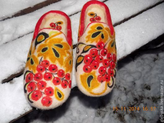 """Обувь ручной работы. Ярмарка Мастеров - ручная работа. Купить тапочки """" Зимняя Хохлома"""". Handmade. Комбинированный, домашняя обувь"""