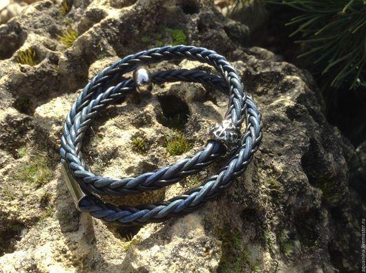 Браслеты ручной работы. Ярмарка Мастеров - ручная работа. Купить Кожаный браслет из плетёного шнура(черно-синий)браслет намотка. Handmade. Комбинированный