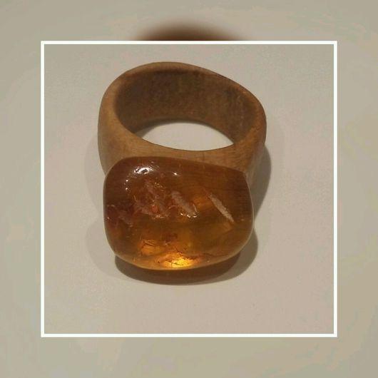 Кольца ручной работы. Ярмарка Мастеров - ручная работа. Купить Кольцо деревянное с янтарем. Handmade. Бежевый, кольцо с янтарем, оберег