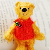 Куклы и игрушки ручной работы. Ярмарка Мастеров - ручная работа Винни-Пух - миниатюрный медведь - рост 8см - подарок!. Handmade.