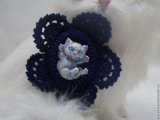 """Броши ручной работы. Ярмарка Мастеров - ручная работа. Купить брошь """" Милый котенок"""". Handmade. Тёмно-синий, фурнитура"""