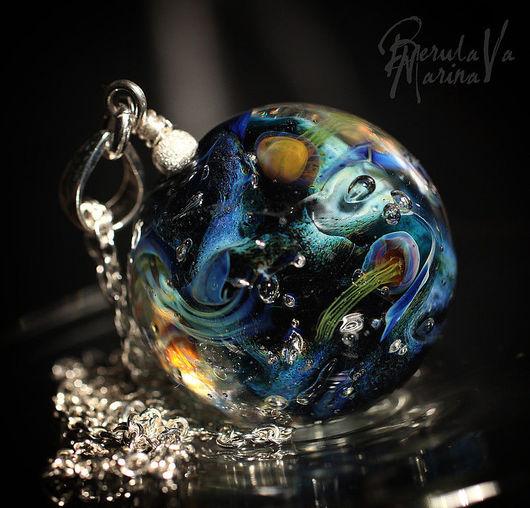Pendants handmade. Livemaster - handmade. Buy Pendant 'Five jellyfish'.Marina berulava, lampwork pendant, dark blue, glass beads