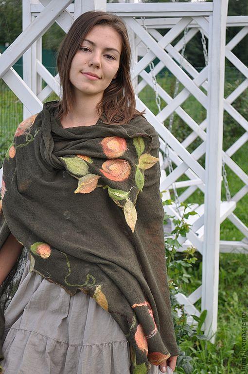 """Шали, палантины ручной работы. Ярмарка Мастеров - ручная работа. Купить валяный палантин """"Осенние розы"""". Handmade. Хаки"""