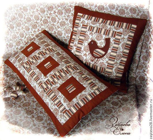 Милый комплект лоскутных подушек Кофейная песенка. Состоит из двух подушек