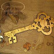 """Для дома и интерьера ручной работы. Ярмарка Мастеров - ручная работа Ключница-вешалка """"Золотой ключик"""". Handmade."""
