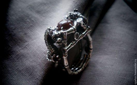 """Украшения для мужчин, ручной работы. Ярмарка Мастеров - ручная работа. Купить Перстень """"Драконье логово"""". Handmade. Мужской перстень, драконы"""